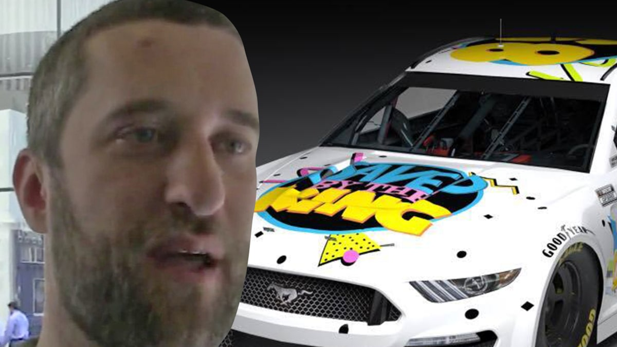 """Rescued by the Bell"" Star Dustin Diamond receives Nascar Honors"