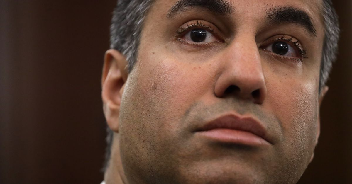 """FCC Chairman Ajit Bay abandoned his legal attempt to """"clarify"""" Internet law"""