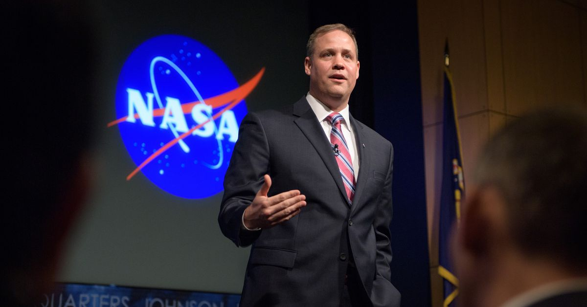 "Jim Bridenstine leaves Artemis ""in good shape"" for NASA Biden"