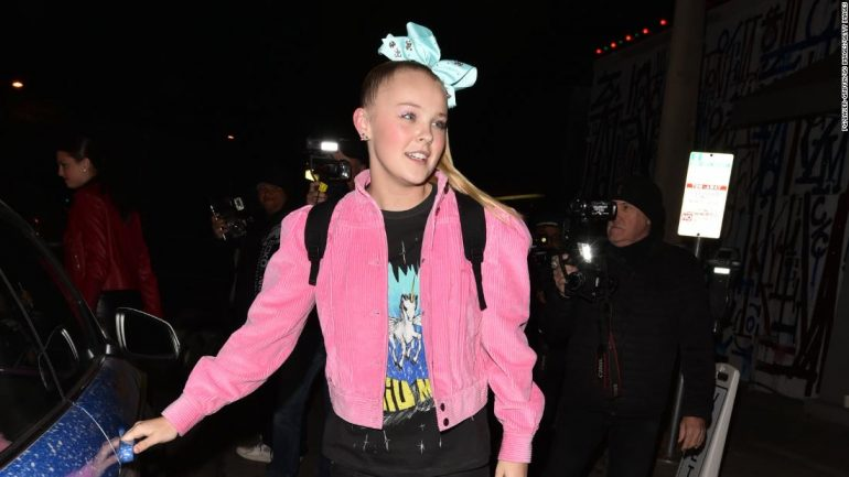 """JoJo Siwa responded to the backgammon controversy saying that she """"had no idea"""" about the """"inappropriate"""" content."""