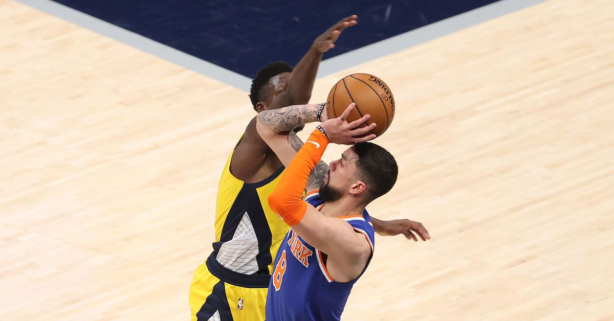 Knicks 106, Pacers 102: Scenes from Austin 'Big Nuts' Rivers and Julius Randall's defensive styles